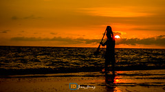 Lanzando las redes (Joan Daz) Tags: mxico puertovallarta mar sol playa atardecer sunset sundown sun pescador fishing contraluz sea beach