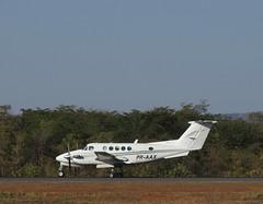 Beechcraft Super king B200 PR-AXX (Aeroporto de Montes Claros / Montes Claros Airport) Tags: beechcraft super king b200 praxx