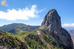 La Gomera (michab100) Tags: michab100 mib mibfoto lagomera canarianisland fujifilmxt1 berge strassen kurven himmel sky green clouds view mountain