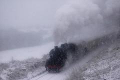 20051228    45212 ( I think!) (paulbrankin775) Tags: snow snowy 45212 stanier black5 blizzard steam smoke greenend whiteout nymr north yorkshire moors railway train grosmont pickering