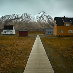 Top of the World (Aerindad) Tags: science architecture arctic spitzbergen svalbard