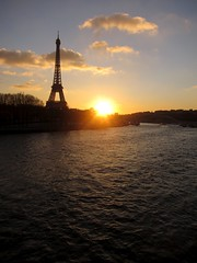 (Sean Munson) Tags: sunset sun paris france seine river europe eiffeltower latoureiffel iledefrance latour