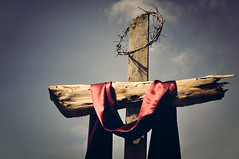Because He lives I can face tomorrow... (Tina M89) Tags: easter cross crownofthorns becausehelivesicanfacetomorrow jesusdefeateddeath
