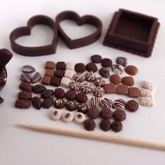 Miniature chocolate pralines ^^