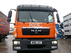 WN61JXV RAC MAN Flatbed Recovery Truck at Lymm Services 11-04-2013 (furytingar) Tags: rescue orange man rain truck cheshire you salute champion we breakdown m6 rac services recovery flatbed lymm crewcab motorists slidebed wn61jxv