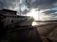 Restaurant boat Mlardrottningen in Stockholm (Photomiqs) Tags: sunset water sunshine restaurant boat sweden stockholm mlardrottningen