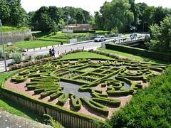 Versterkte stad aan het water -(11)- The fortified town drifting with the river - Wapenschild in buxus - Escutcheon in Buxus 2