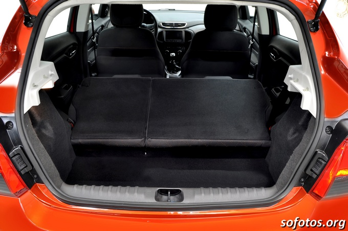 Chevrolet Onix porta malas