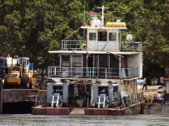Tug boat (vincentello) Tags: river boat ship south sudan nile nil fleuve navire juba sudsoudan