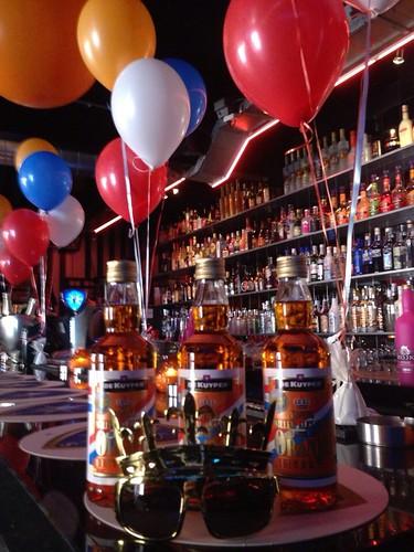 Tafeldecoratie 4ballonnen Koninginnenacht Bar Tops Spijkenisse