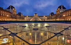 In & Out (A.G. Photographe) Tags: sunset paris france french nikon louvre ag napoleon nikkor pyramide dri franais hdr anto d800 xiii parisien 2470 antoxiii agphotographe