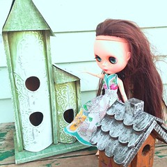 House shopping with Lucy... I'm not sure we've found the right one yet. #blythe #customblythe #ahacustoms