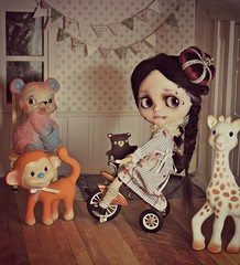 1. Sometimes weird things happen (Lawdeda ) Tags: bear alpaca girl bicycle by monkey heart spiders background saturday rainy blythe giraffe custom joyful gypsy hairs rbl roombox dollskingdom
