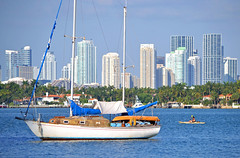 Boating in Biscayne Bay (ctberney) Tags: sailboat kayak florida miamibeach biscaynebay miamiskyline
