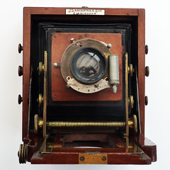 Lancaster Instantograph (pho-Tony) Tags: wood old vintage wooden birmingham kodak antique large plate lancaster format veteran brass bellows folder largeformat folding 1898 photosofcameras instantograph lancasterinstantograph jlancasterandson