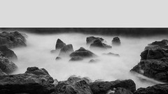 La Corniche Longue (Diegographie) Tags: longexposure sea blackandwhite bw mer seascape france blancoynegro canon mar noiretblanc nb bn tokina ste languedocroussillon herault largaexposicin ste longuepose poselongue canon700d tokina1116mmf28dxii potd:country=fr diegographie