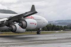 EC-IZX Iberia Airbus A340-642 - cn 601 (Otertryne2010) Tags: iberia norway trondheim trd enva vrnes airbus a340642 realmadrid uefa super cup landing full brakes