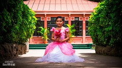 FLOWERS (denisfm89) Tags: guatemala guatemalan flower flor nia girl child beauty guatemalteca elmaizgt model modelo