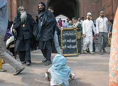 INDIA7843/ (Glenn Losack, M.D.) Tags: india muslims beggars begging photojournalism