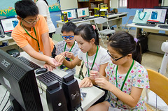 DSC_0678 (roger528852momo) Tags: 2016           little staff person explore summer camp hokuzine ever worker china youth corps ying qiao elementary school arduino robot food processing workshop taipei taiwan roger huang roger528852momo