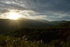 Un giorno come tanti altri (mttdlp) Tags: d3200 montagna mountain appennino sky natura clouds landscape