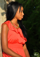 Tyra (01_0945) (ronnie.savoie) Tags: africanamerican black noir negra woman mujer chica muchacha girl pretty guapa lovely hermosa browneyes ojosnegros brownskin pielcanela portrait retrato model modelo modle smile sonrisa lafrenierepark metairie louisiana diaspora africandiaspora