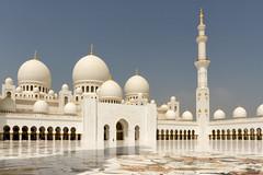 Sheikh Zayed Grand Mosque - Abu Dhabi, United Arab Emirates (Dutchflavour) Tags: unitedarabemirates sheikhzayedgrandmosque abudhabi uae islamic mosque minaret marblestone gold courtyard