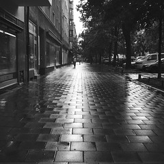 centreshine (dougfot) Tags: 100asa 18aug16 6x6 bw dpb5b delta donnersbergerstrase gelb germany harman hell ilford mf munich rolleicord douggoldsmith film filter street