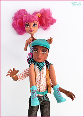 Clawd and Howleen (NightFirefly) Tags: sister brother hiphop mattel steampunk danceclass warewolf clawd monsterhigh howleenwolf clawdwolf