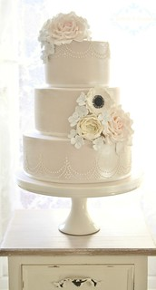 Shimmer wedding cake by Cotton and Crumbs
