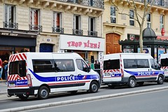 2013-04-06 Trop Bien 61 Boulevard Saint Michel Paris 5 (patricemarieantoine) Tags: paris police april crs manifestations aprilinparis 2013