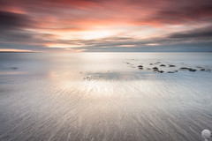 Hvaleyrin (Gujn Ott) Tags: sunset sea sky cloud reflection beach nature water landscape sand waves gravel sjr nttra vatn sk himinn fjara sandur speglun landslag ott slsetur ldur ml hvaleyrin