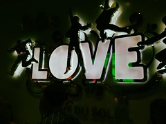Beatles love (jorin.arriola) Tags: love colors night shoes lasvegas sunday iphone beattles iso64 toucanfilter themirageatrium