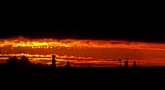 Se va el sol (Francisca A.) Tags: chile sunset sun sol beach set night atardecer dawn playa puestadesol puesta anochecer araucana cheuque