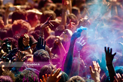 Holi (arturii!) Tags: barcelona city party people india primavera colors beauty festival wow fun happy person spring amazing nice colorful europa europe colours superb indian awesome capital great meeting powder pack together enjoy carmel stunning colored catalunya tradition dust hindu holi impressive barcelone gettyimages enjoing interetsing comopolitan canonoes400d arturii arturdebattk