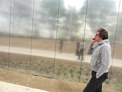 20130430 Lens-Arras 2174 (enemyke) Tags: museum lens mirror artist louvre spiegel musee espejo museo michel miroir koninginnedag artiste 30april kroning louvrelens lensarras lensarras30april2013