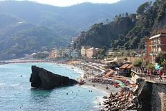 Monterosso al mare (thomas.janisch) Tags: sea summer italy beach coast italia mare liguria terre cinqueterre monterosso vilage laspezia monterossoalmare