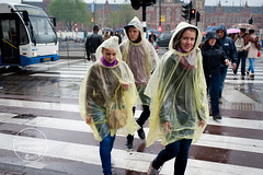 20130529 (Jules Carati Photography) Tags: street streets netherlands rain amsterdam thenetherlands streetphotography streetphoto raincoat mokum straatbeeld straat the plasticraincoat straatfotografie streetsofamsterdam amsterdamstreets amsterdamstreet touristinrain
