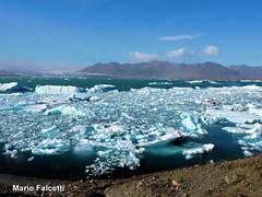 Iceland: Jkulsrln glacial lake (mariofalcetti) Tags: iceland jkulsrln lake lago lagoon laguna water acqua ghiaccio ice montagne mountain landscape paesaggio
