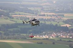 Rettungshubschrauber am Pferdskopf / Wasserkuppe 160814_110 (jimcnb) Tags: 2016 august wasserkuppe rhn hessen hubschrauber polizei helicopter dhheb
