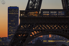 Sunrise towers (apparencephotos) Tags: paris toureiffel tourmontparnasse sunrise rgionparisienne toitdeparis parisien