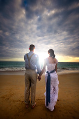 EXCELENTE (Elwood Photo) Tags: wedding love beach clouds sunrise canon groom bride sand waves dominican republic dominicanrepublic resort exotic dreams punta tropical destination 5d elwood cana spa speedlight puntacana lseries markiii 1635mm canon1635mm elwoodphoto yongnou dreamsspaandresort