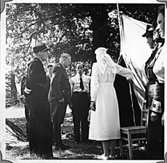 Borrestevnet 1943, Vidkun Quisling inspiserer sanitetskorpset. (Riksarkivet (National Archives of Norway)) Tags: ns worldwarii secondworldwar quisling krigen vidkunquisling andreverdenskrig okkupasjonstiden
