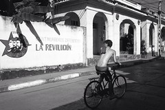 Defendendo la Revolucion (piper969) Tags: people bw cuba bn revolucion bycicle bicicletta islagrande baracoa cubarebelde uploaded:by=flickrmobile flickriosapp:filter=nofilter