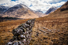 Glencoe (Greig Reid) Tags: camera snow beautiful wall photoshop canon lens landscape outdoors eos scotland photo flickr image unitedkingdom availablelight whitehouse creative picture photograph glencoe 5d dyke hdr 28135mm fortwilliam mixology drystone markii ballachulish drystane leadinline landscapeformat glencoevisitorcentre lightroompreset foregroundinterest canoneos5dmk2 slrlounge