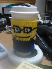 Minion coffee cozy (valreinking) Tags: coffee cozy knit minion
