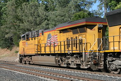 Union Pacific #7525 (GE ES44AC) in Colfax, CA (CaliforniaRailfan101 Photography) Tags: up amtrak unionpacific priority ge freight bnsf reefer manifest emd californiazephyr burlingtonnorthernsantafe dash9 dpu es44dc gevo sd70m amtk c449w stacktrain sd70ace es44ac colfaxca c45accte p42dc trackagerights es44c4 tietrain sd59mx unitreefer zdlsk trainsincolfaxca