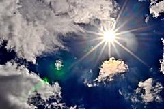 High Sol (donjuanmon) Tags: sliders slidersunday hss sun sol donjuanmon sky blue clouds white light flare spots beams rays