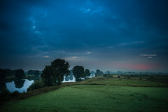 No sun today (Ingeborg Ruyken) Tags: 2016 500pxs empel maas maasuiterwaarden dawn dropbox flickr floodplain lucht meadow morning natuurfotografie ochtend river riverforeland rivier sky summer sunrise weiland zomer zonsopkomst