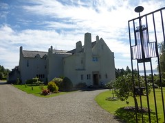 The Hill House, Helensburgh (luckypenguin) Tags: scotland lochlomond helensburgh balloch johnmuirway charlesrenniemackintosh crm hillhouse